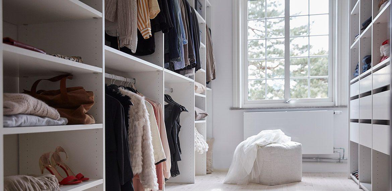 Inspireras av öppen inredning i din walk-in closet