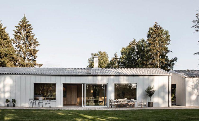 Villa Grå – Bad, tvättstuga och förvaring.