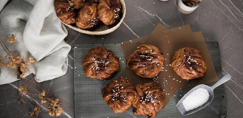 Långjästa kardemummabullar – ett recept av Daniel Larsson